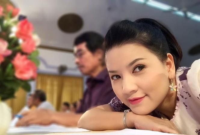 Ngọc Trinh 'Mùi ngò gai' nhận danh hiệu NSƯT: Không phải may mắn!