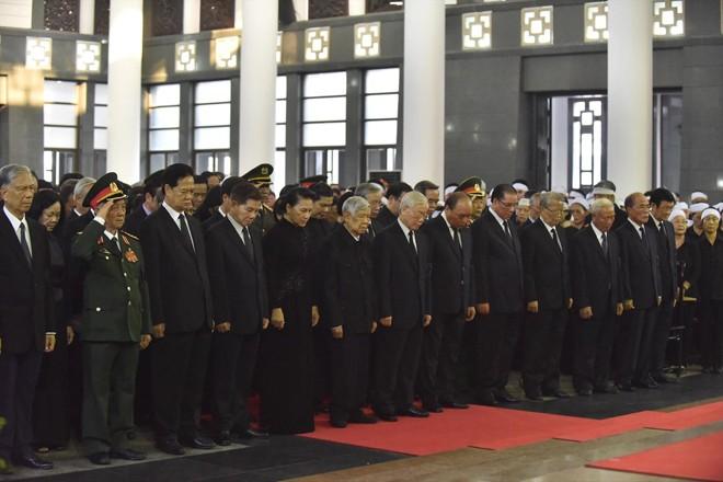 Lãnh đạo, nguyên lãnh đạo Đảng, Nhà nước viếng nguyên Tổng Bí thư Đỗ Mười   Ảnh: Như Ý