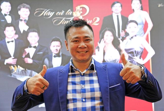 NSND Tự Long tại họp báo giới thiệu chương trình Hãy cứ là tình nhân 2, trong đó anh diễn hài cùng NSƯT Xuân Bắc và ca sĩ Hồng Nhung    Ảnh: N.M.Hà