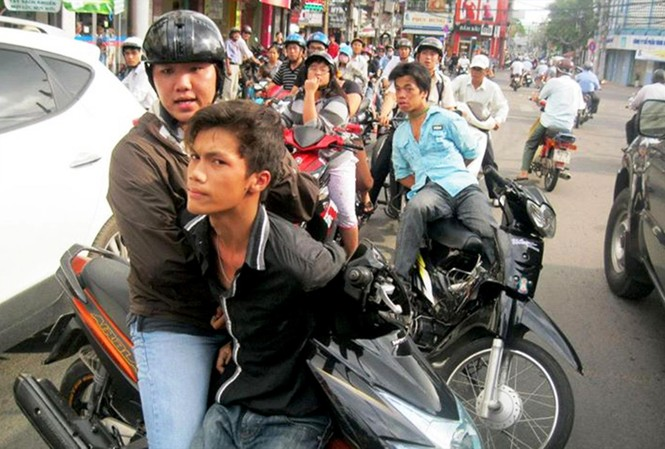 Các hiệp sỹ đường phố truy bắt tội phạm cướp giật trên địa bàn TPHCM