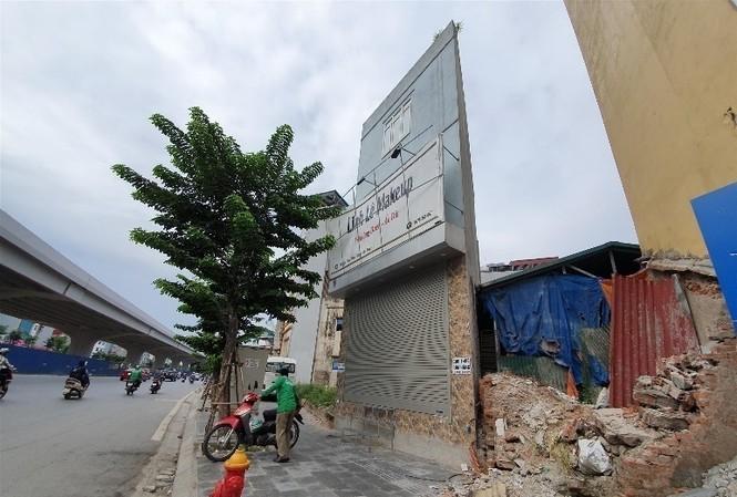 Căn nhà sắc lẹm, kỳ dị trên đường Phạm Văn Ðồng