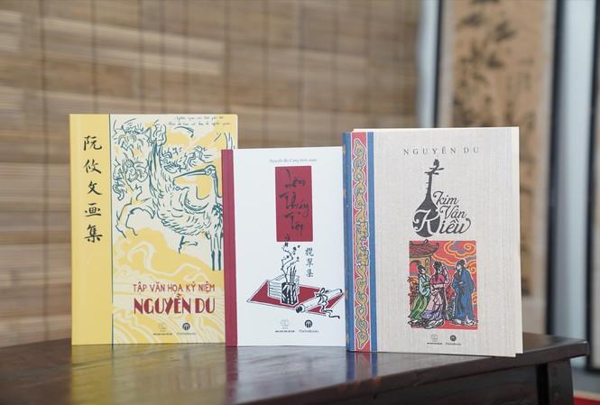 """Trưng bày nhiều ấn phẩm """"Truyện Kiều"""" và về Nguyễn Du"""