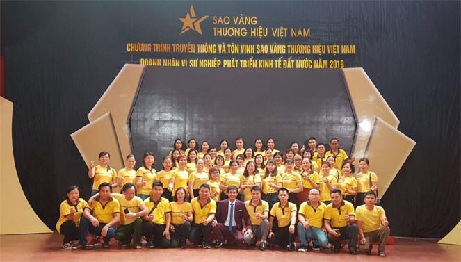 Dù không có bất cứ hoạt động sản xuất, kinh doanh gì, Tập đoàn Gold Time vẫn được vinh danh Top 10 Sao Vàng thương hiệu Việt – Doanh nhân vì sự phát triển của đất nước năm 2019