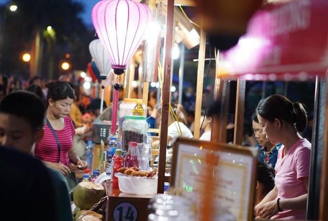 Khu vực ẩm thực Tây Hồ biến mất khỏi không gian đi bộ Trịnh Công Sơn. Ảnh: NGUYÊN KHÁNH