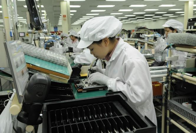 Dây chuyền sản xuất linh kiện điện tử tại khu công nghiệp Quang Minh, Hà Nội. Ảnh: Hồng Vĩnh