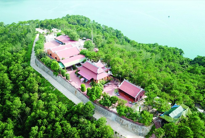 Hàng loạt đảo trên vịnh Bái Tử Long bị các đại gia chiếm giữ trái phép