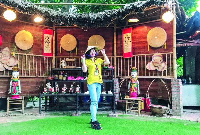 Những tua Tết giúp HDV Nguyễn Thị Hồng có dịp khám phá bản sắc văn hóa ngày Tết ở các vùng miền