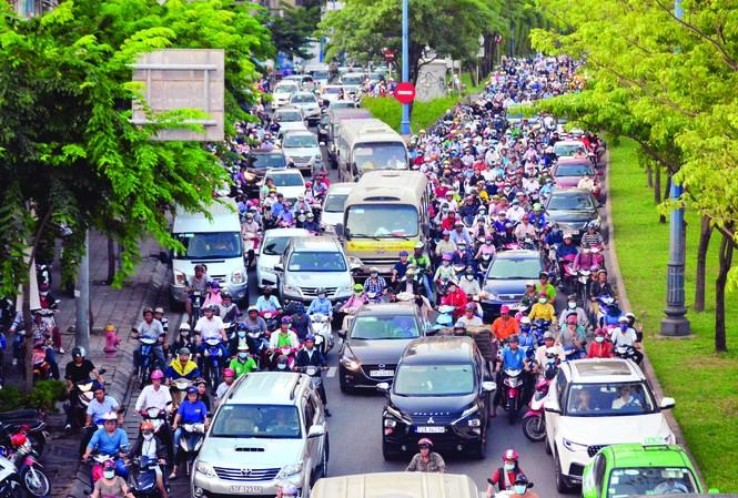 Lượng phương tiện giao thông lớn tại TPHCM là 1 trong những nguyên nhân gây ô nhiễm không khí
