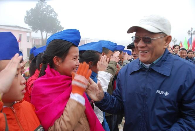 Ông Tăng Xuân Ngọc trở lại Sầm Nưa dịp kỷ niệm 60 năm Ngày truyền thống Quân tình nguyện và chuyên gia Việt Nam tại Lào