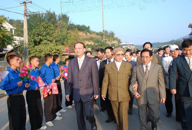 Tướng Nguyễn Trọng Vĩnh trong dịp kỷ niệm 60 năm Ngày Quân tình nguyện và chuyên gia giúp bạn Lào tại Sầm Nưa (Lào) Ảnh: Xuân Ba