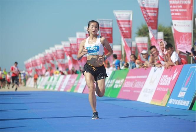 VĐV Nguyễn Thị Oanh đoạt 2 chứcvô địch chỉ trong vòng một tuần