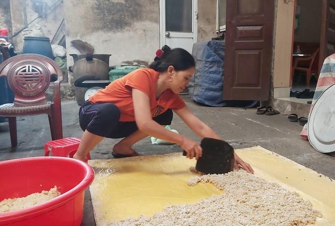 Hơn 200 hộ tại thôn Phú Lộc, xã Cẩm Vũ, huyện Cẩm Giàng, tỉnh Hải Dương giữ kinh nghiệm nấu rượu cũ, không đăng ký kinh doanh