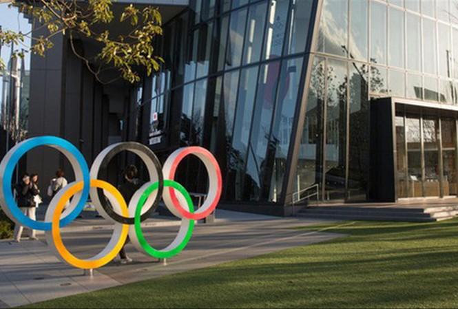 Olympic Tokyo 2020 và VCK EURO 2020 đều đứng trước khó khăn do dịch COVID-19