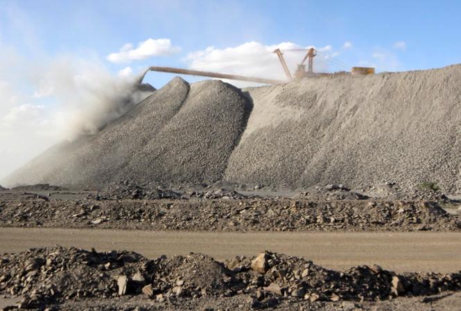 Một khu mỏ khai thác đất hiếm ở vùng Nội Mông, Trung Quốc  Ảnh: Reuters