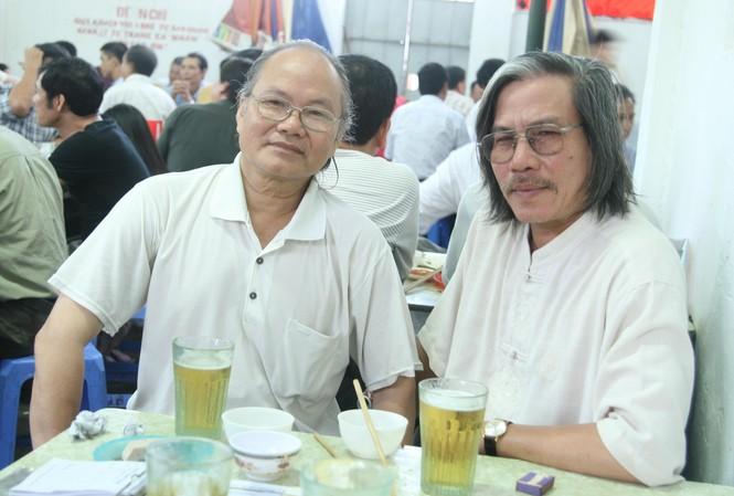 NS Xuân Ba (trái) năm đã xa và tác giả Xuân Ba