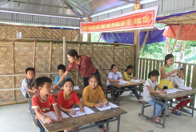 Một giờ học của cô và trò ở huyện miền núi Lang Chánh, tỉnh Thanh Hóa