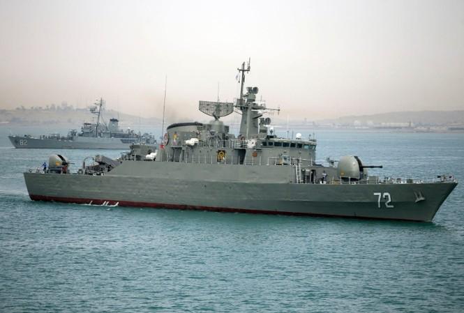 Tàu chiến Alborz của Iran chuẩn bị rời khỏi vùng biển của Iran ngày 7/4/2015 Ảnh: Fars