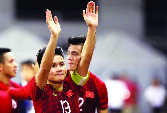Quang Hải chỉ chơi được trọn vẹn 90 phút trận đấu gặp Indonesia ở SEA Games trước khi dính chấn thương ảnh: HỮU PHẠM