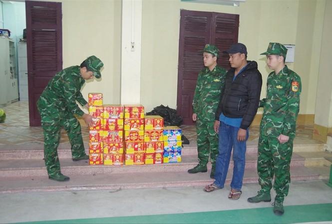 Bộ đội Biên phòng Lạng Sơn liên tiếp phát hiện pháo nhập lậu  Ảnh: Duy Chiến