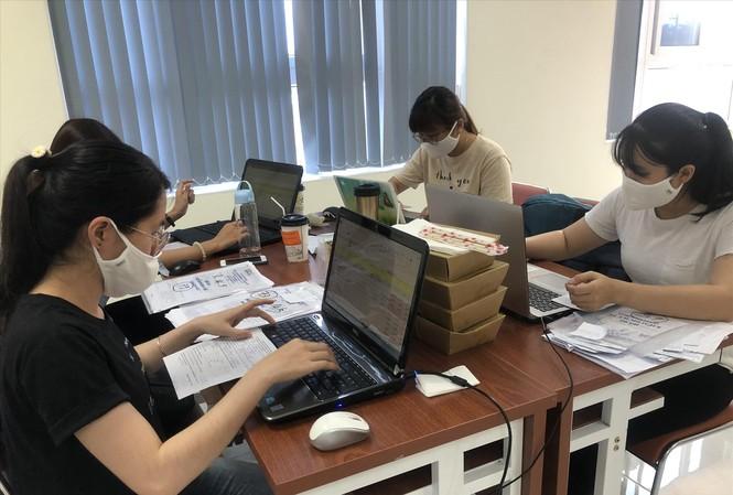 Sinh viên ngành Y chung tay hỗ trợ đẩy lùi dịch COVID-19Ảnh: Uyên Phương