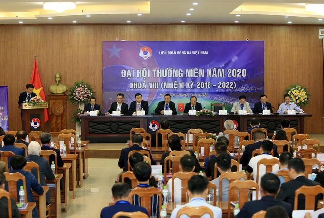 Đại hội VFF đóng cửa với báo chí vì khác với các liên đoàn thể thao khác của Việt Nam? Ảnh: Anh Tú