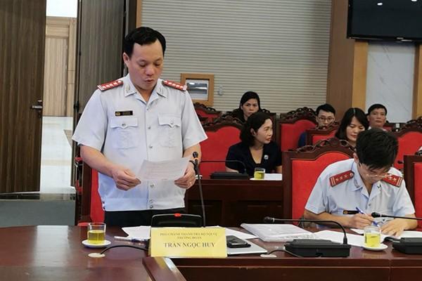 Phó Chánh Thanh tra Bộ Nội vụ Trần Ngọc Huy công bố quyết định thanh tra tại UBND tỉnh Sơn La vào tháng 10 vừa qua - Ảnh: Vietnamnet
