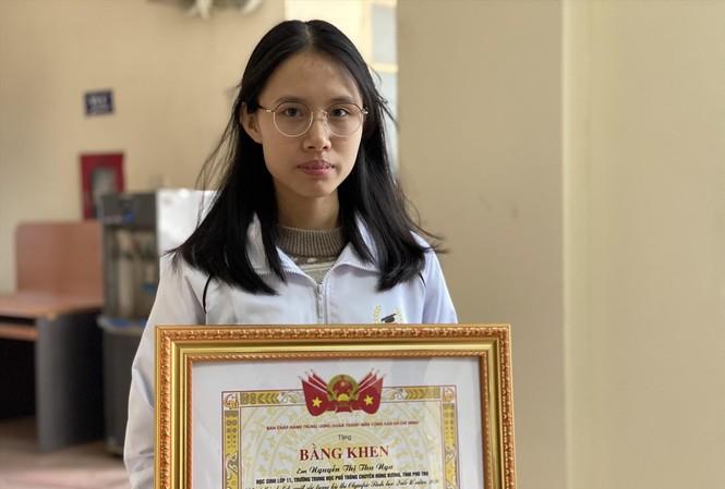Em Nguyễn Thị Thu Nga, học sinh lớp 11, Trường THPT Chuyên Hùng Vương. Ảnh: PV