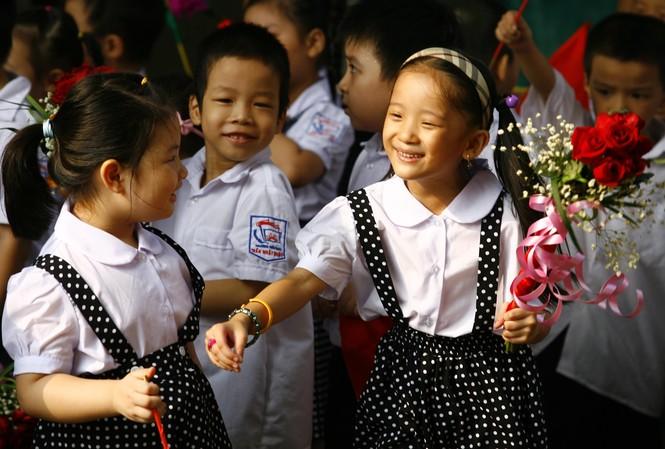"""Hãy để cho """"ngày đầu tiên đi học"""" được trong trẻo, thơ ngây ảnh: hồng vĩnh"""