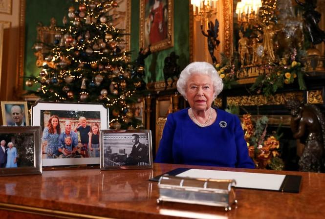 Bức ảnh Nữ hoàng Anh được đăng tải kèm thông điệp Giáng sinh 2019 ảnh: Reuters
