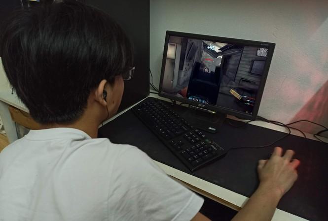 Bạn trẻ nghiện game online có thể gây ra nhiều hệ lụy cho bản thân, gia đình và cộng đồng Ảnh: Như Ý