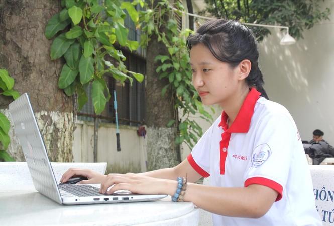 Tích cực trau dồi các kỹ năng mềm ngay từ sớm, Kim Thi mong muốn bắt kịp các xu hướng xã hội Ảnh: Ngô Tùng