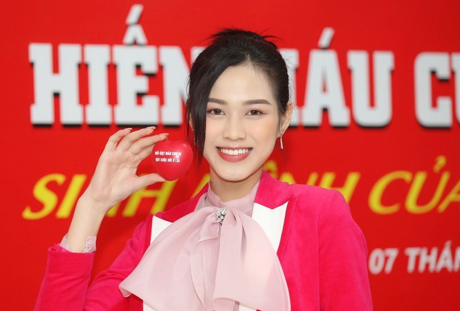 Hoa hậu Đỗ Thị Hà đảm nhận cương vị mới