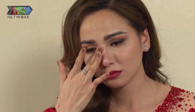 Hoa hậu Diễm Hương rơi nước mắt kể về 10 năm chữa bệnh trầm cảm