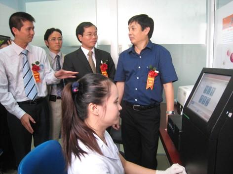Ứng dụng công nghệ sinh học điều trị ung thư