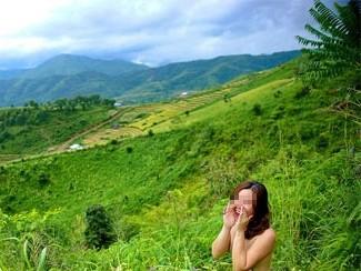 Hậu trường chụp ảnh hot-girl 'nude' giữa thiên nhiên