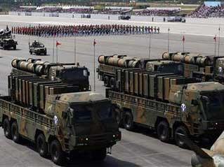 Tên lửa Hyeonmu-2 và Hyeonmu-3 được giới thiệu trước công chúng lần đầu tiên trong cuộc diễu hành quân sự tại Hàn Quốc hôm 1/10
