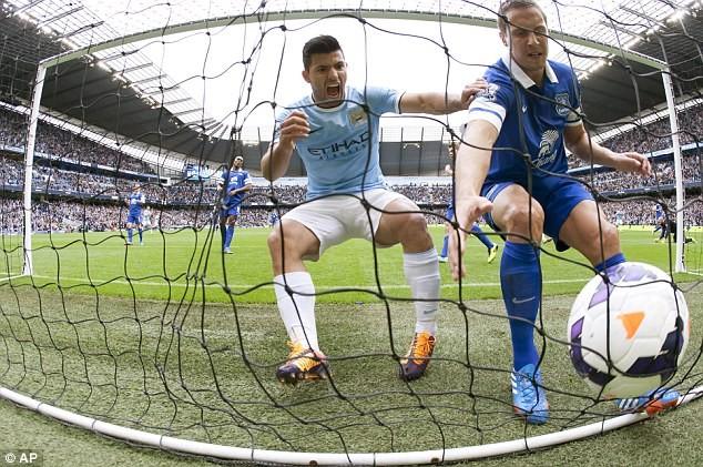 Man City chấm dứt mạch bất bại của Everton
