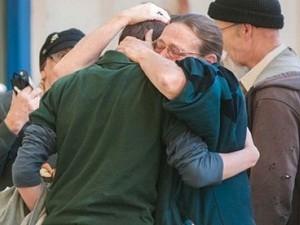 Nỗi đau mất người thân trong vụ xả súng ở bang Nevada. (Nguồn: AP)