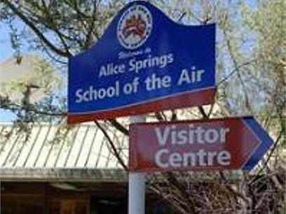 Khám phá trường học rộng 1.3 triệu km2