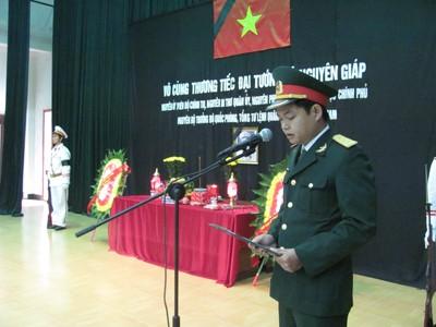 Dòng người xứ Lạng viếng Đại tướng Võ Nguyên Giáp