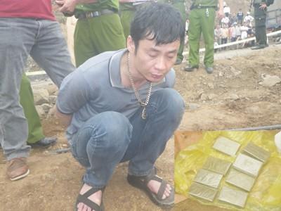 Đối tượng Đỗ Huy Hoàng (37 tuổi, trú tại Cầu Tó, Cầu Bươu, Thanh Trì, Hà Nội) bị cơ quan điều tra bắt giữ ngày 3/4 trong chuyên án trinh sát 565-H triệt phá đường dây ma túy liên quan đến nhiều đối tượng cộm cán ở nhiều tỉnh, thành phố. Ảnh: Tuấn Nguyễn