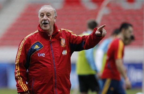 Tây Ban Nha thưởng 'nóng' cho HLV Del Bosque