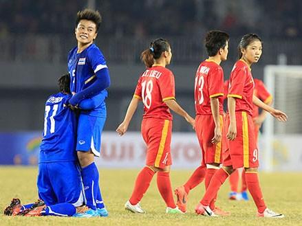 Nước mắt bóng đá nữ