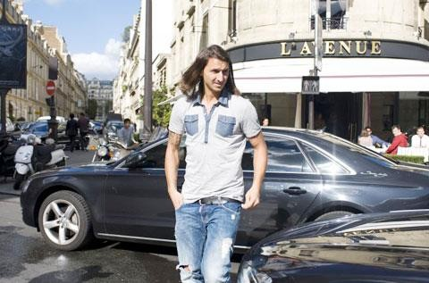 Ibrahimovic và cuộc sống... thày tu giữa Paris hoa lệ