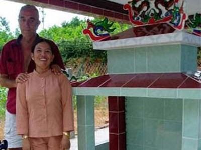 Cuộc tình kỳ lạ của triệu phú Mỹ và cô gái Việt