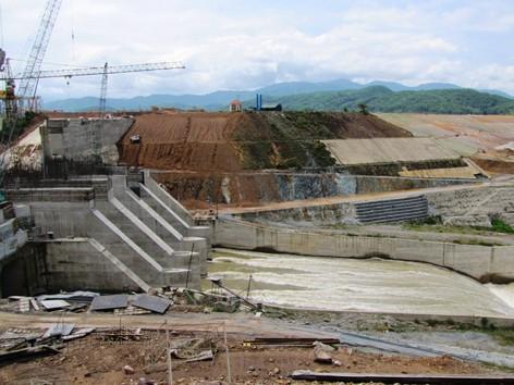 Hồ Tả Trạch: Chưa tích nước đã lo ngập