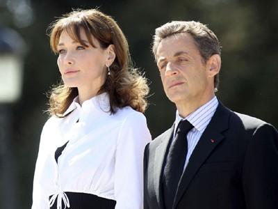 Bà Carla Bruni cùng ông  Sarkozy thăm hoàng gia Tây Ban Nha