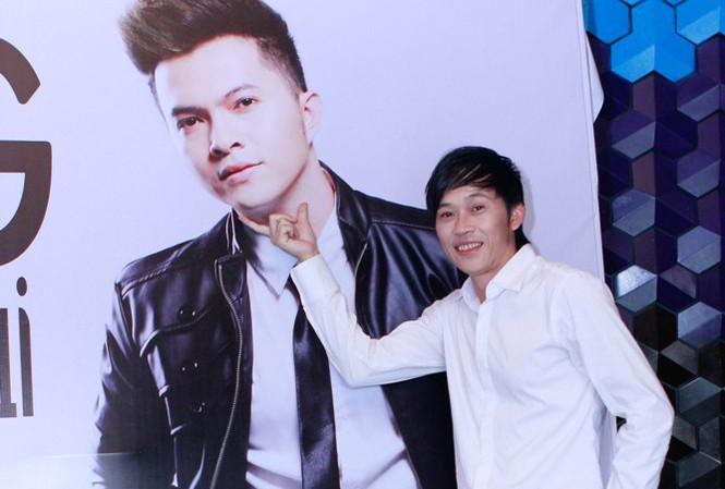 Hoài Linh nổi hứng 'chọc phá' poster của Nam Cường