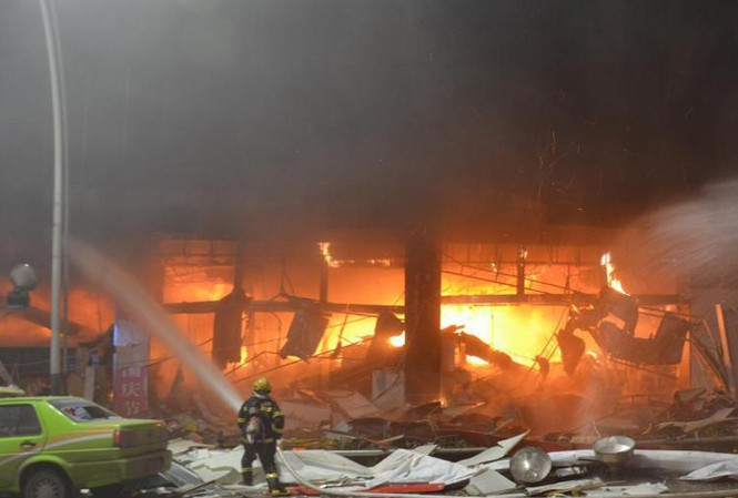 Cháy tại trung tâm mua sắm