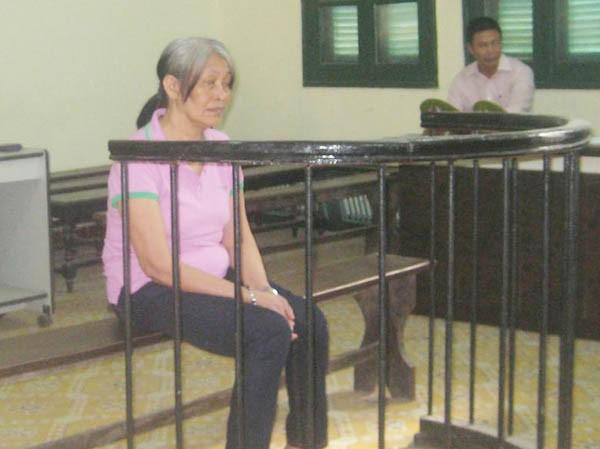Bị cáo Palacio tại phiên xét xử sáng 30-10